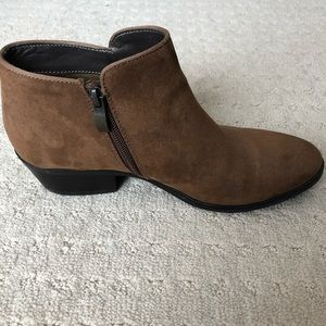 Women's size 8.5 brown booties